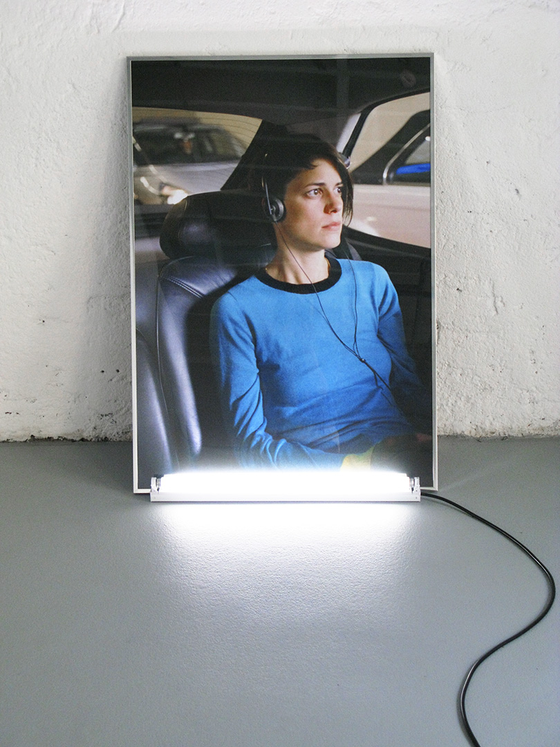 Stéphanie Gygax – Girl in a Faraday Cage – Installation for Standard-Deluxe Lausanne